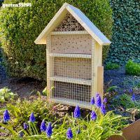 Selbststehendes Bienenhotel