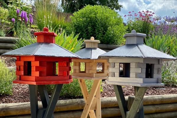 vogelfutterhaus-mit-silo